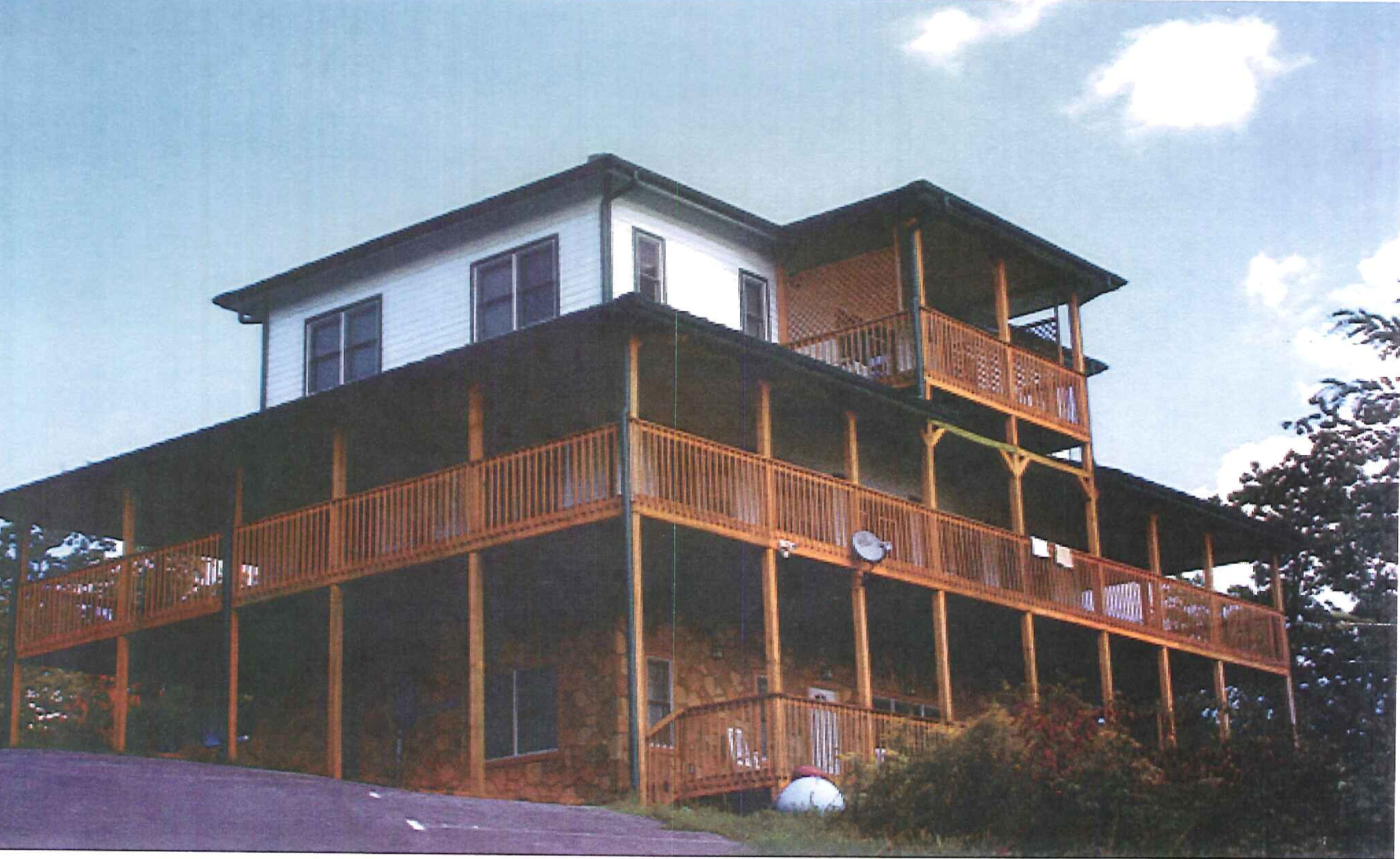 3772 East Parkway,Gatlinburg,Tennessee,37738,Hospitality / Resort,East Parkway,1021